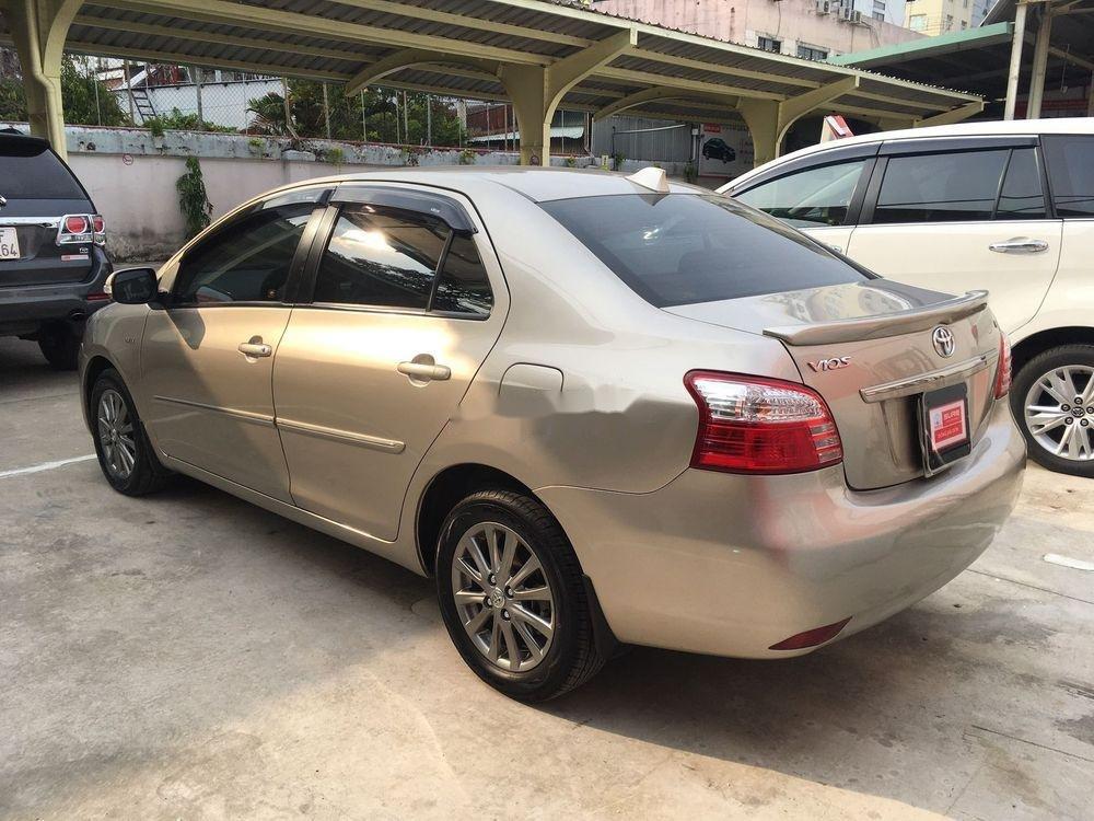 Cần bán xe Toyota Vios G AT năm sản xuất 2013 (8)