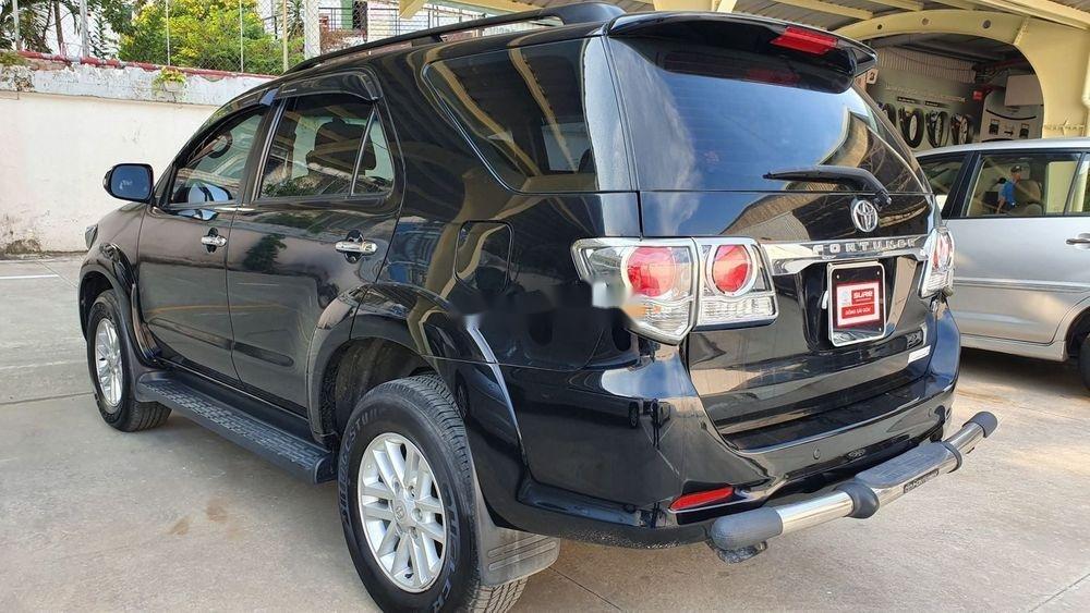 Bán xe Toyota Fortuner 2013, màu đen xe nguyên bản (6)