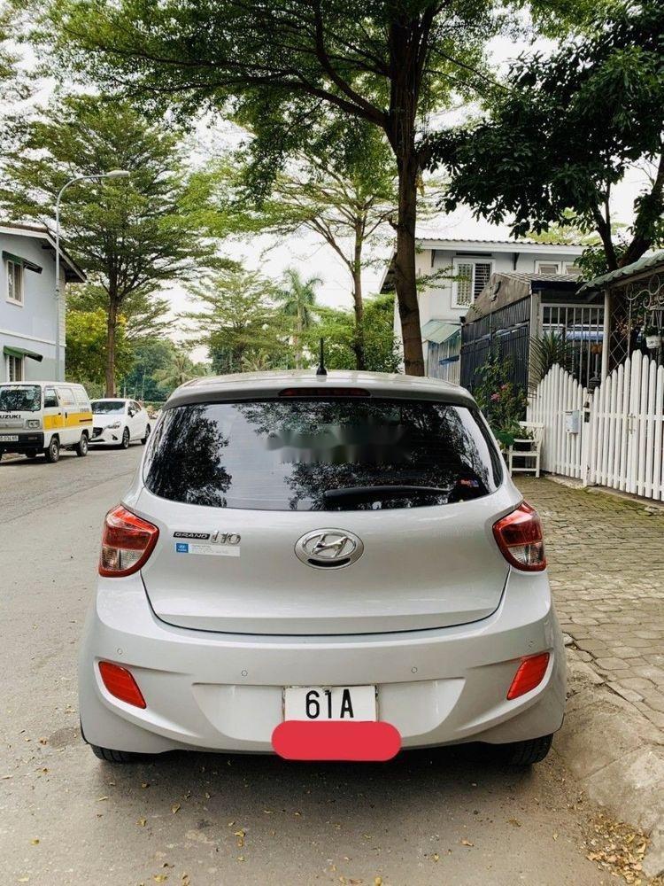 Bán Hyundai Grand i10 MT 2017, màu bạc, xe nhập, 300 triệu (6)