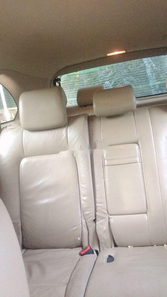 Cần bán gấp Chevrolet Captiva 2010, màu trắng (8)