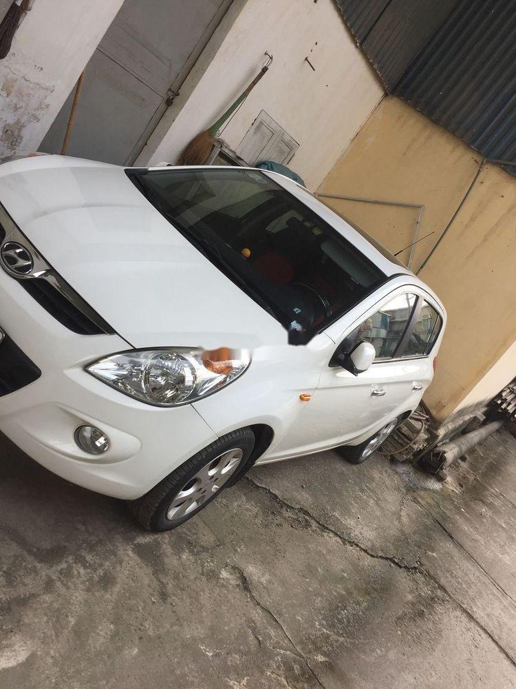 Cần bán gấp Hyundai i20 sản xuất 2011, màu trắng, nhập khẩu nguyên chiếc (3)