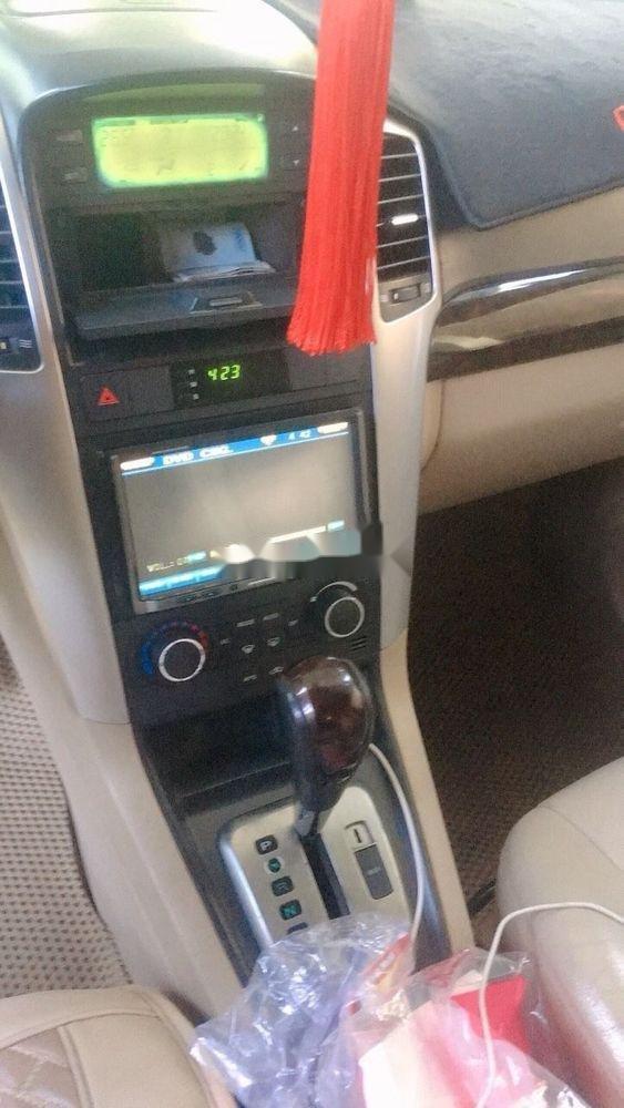 Cần bán gấp Chevrolet Captiva 2010, màu trắng (2)