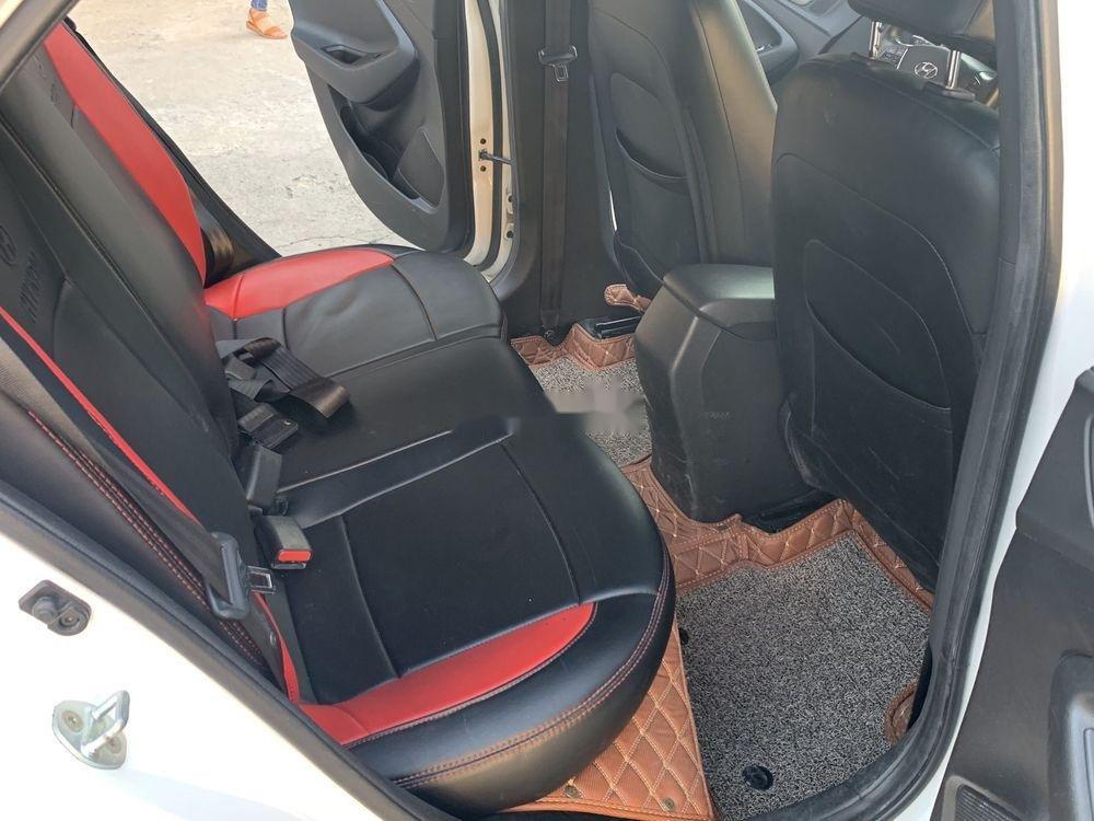 Bán ô tô Hyundai i20 Active 2.4AT năm sản xuất 2015, màu trắng, xe nhập xe gia đình, giá 486tr (6)