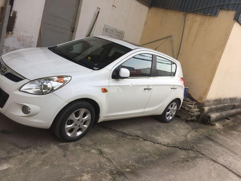 Cần bán gấp Hyundai i20 sản xuất 2011, màu trắng, nhập khẩu nguyên chiếc (1)