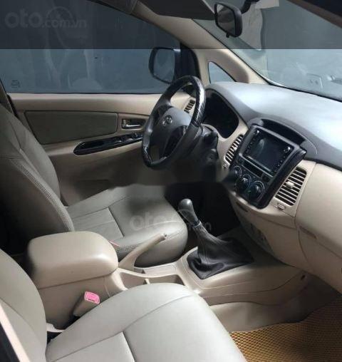 Cần bán lại xe Toyota Innova MT năm 2013 số sàn (6)