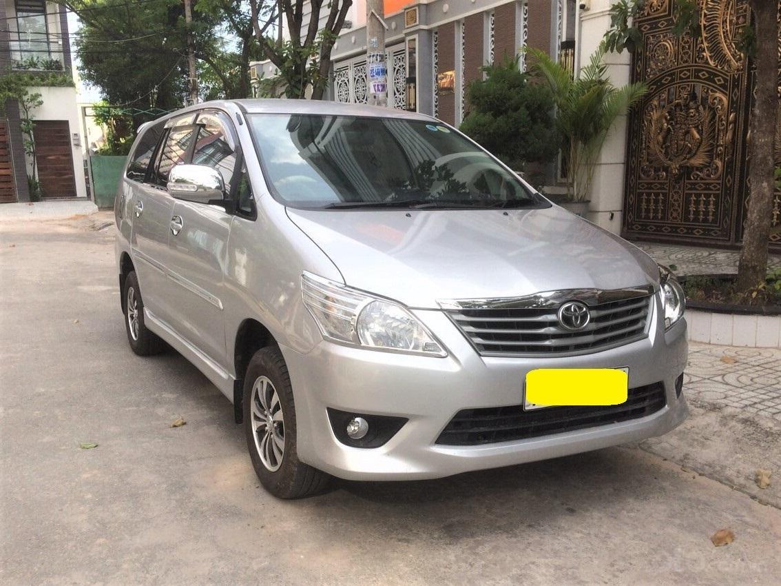 Toyota Innova 2013 số sàn xe zin gia đình dùng (1)