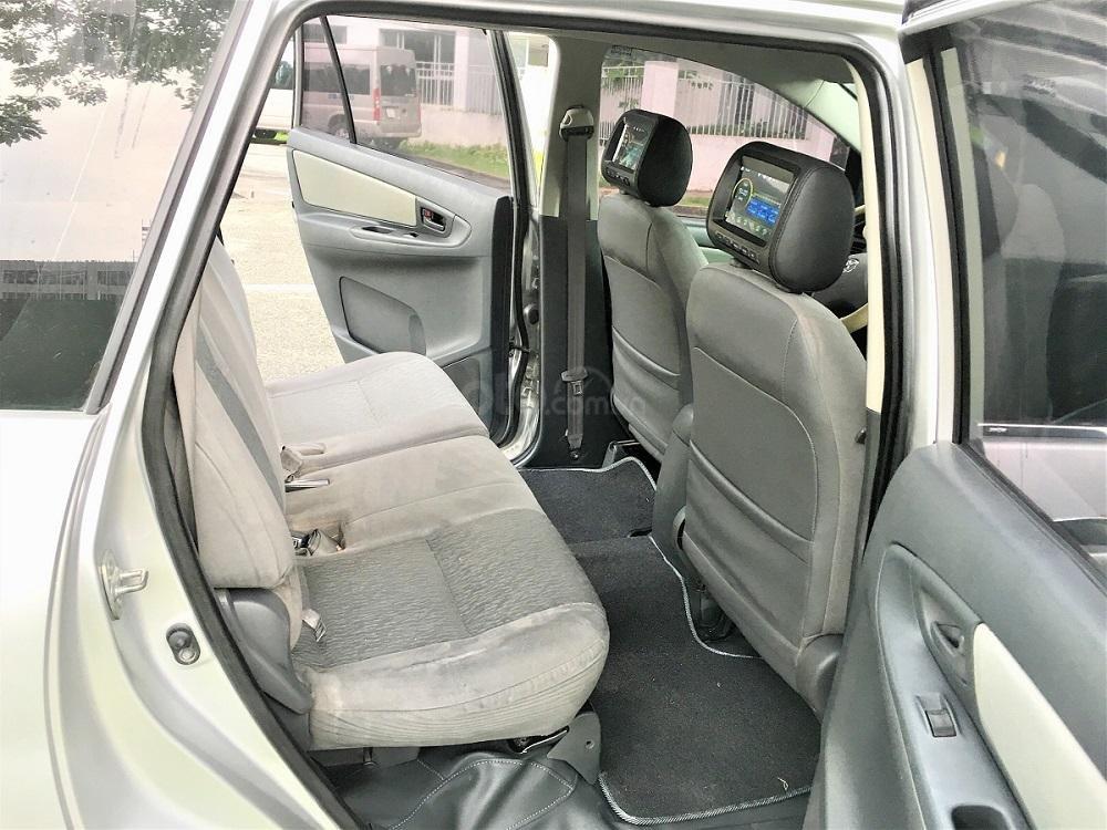 Toyota Innova 2013 số sàn xe zin gia đình dùng (6)