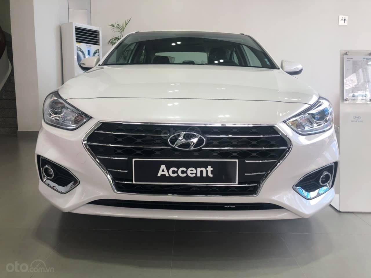Cần bán Hyundai Accent đời 2019, màu trắng nhập khẩu, giá 430 triệu đồng (1)