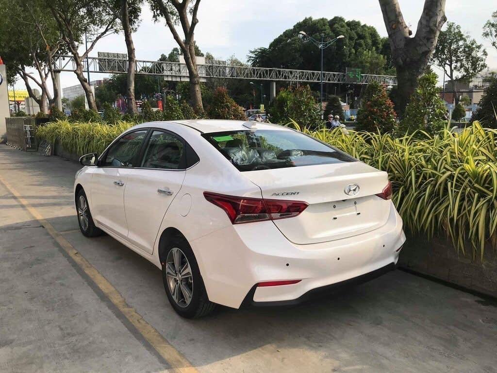 Cần bán Hyundai Accent đời 2019, màu trắng nhập khẩu, giá 430 triệu đồng (4)