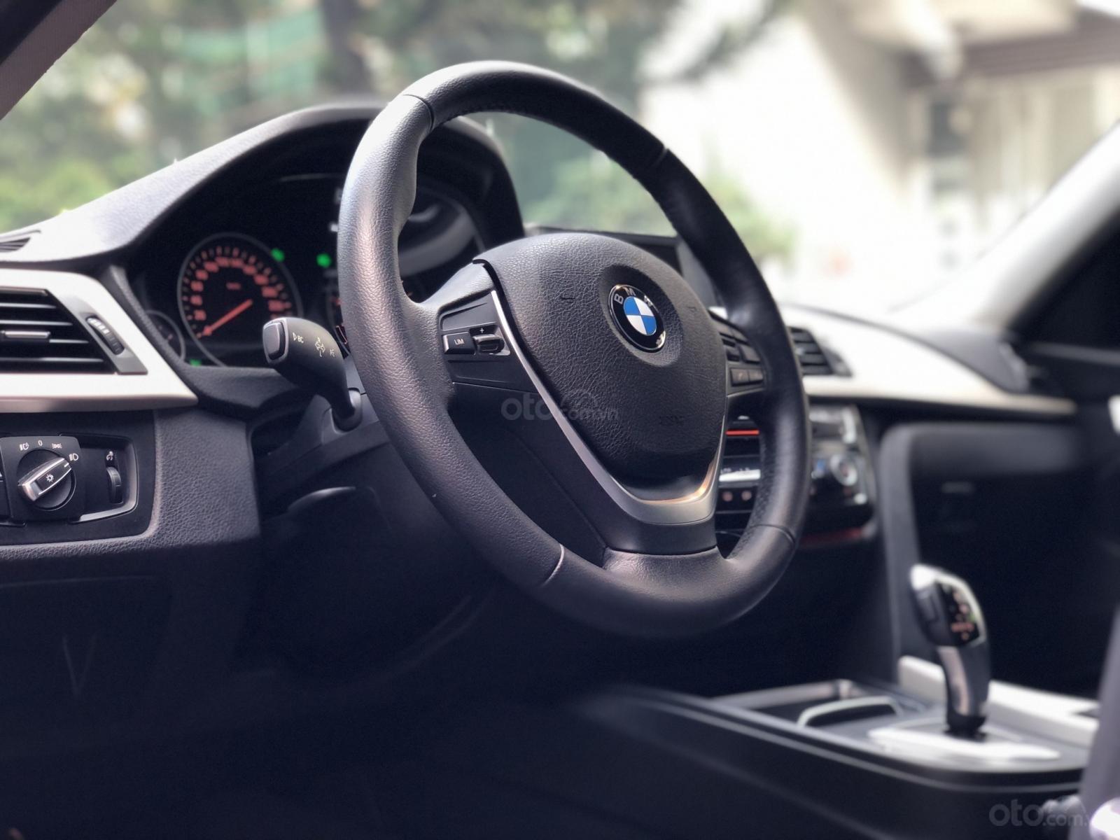 Bán BMW 3 Series năm 2016, màu xanh lam mới 95% giá chỉ 1 tỷ 139 triệu đồng (19)