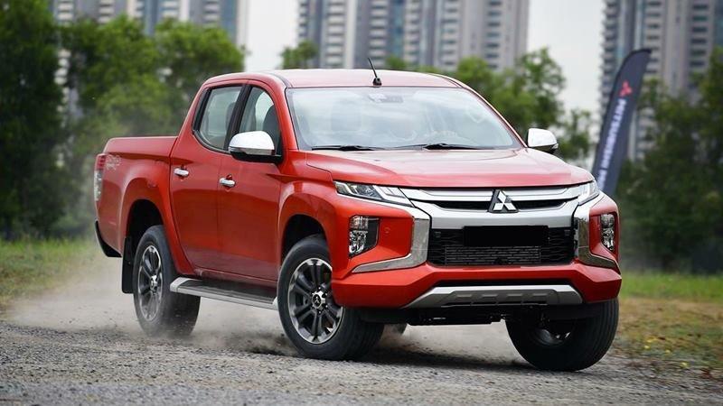 Xe bán tải ồ ạt giảm giá, riêng Isuzu Dmax giảm tới 160 triệu đồng,f
