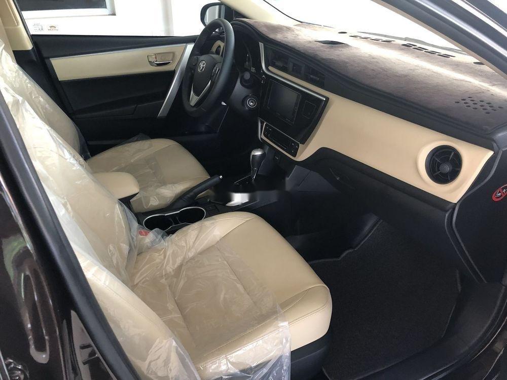 Cần bán Toyota Corolla Altis 2018, màu đen, số tự động, 735 triệu (5)