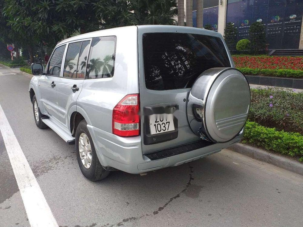 Cần bán Mitsubishi Pajero 2006, màu bạc, xe nhập, số sàn  (6)