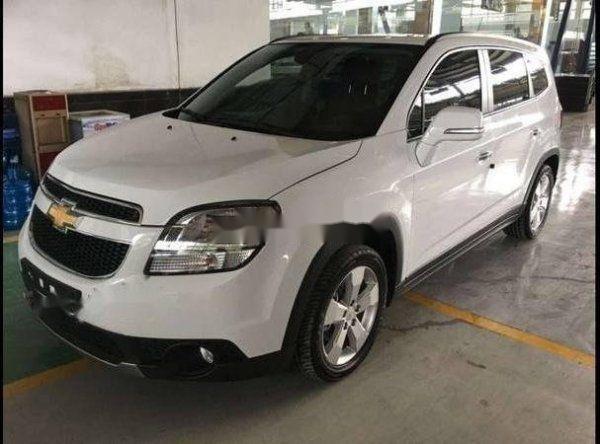 Bán Chevrolet Orlando đời 2018, màu trắng, nhập khẩu, chính chủ (1)