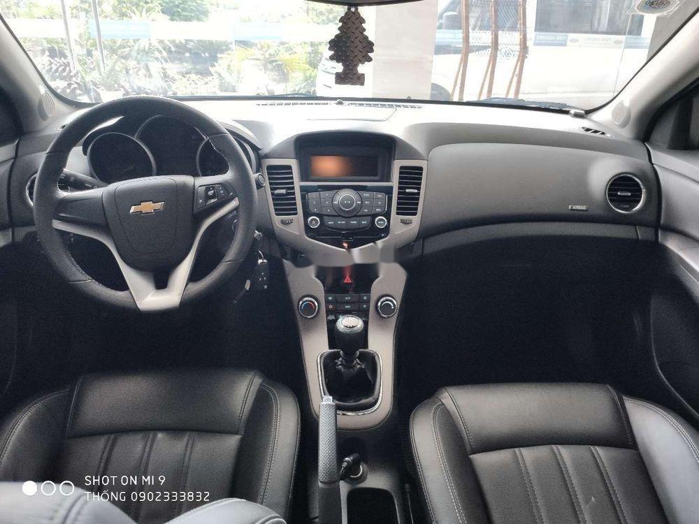 Bán xe cũ Chevrolet Cruze đời 2017, màu bạc (2)