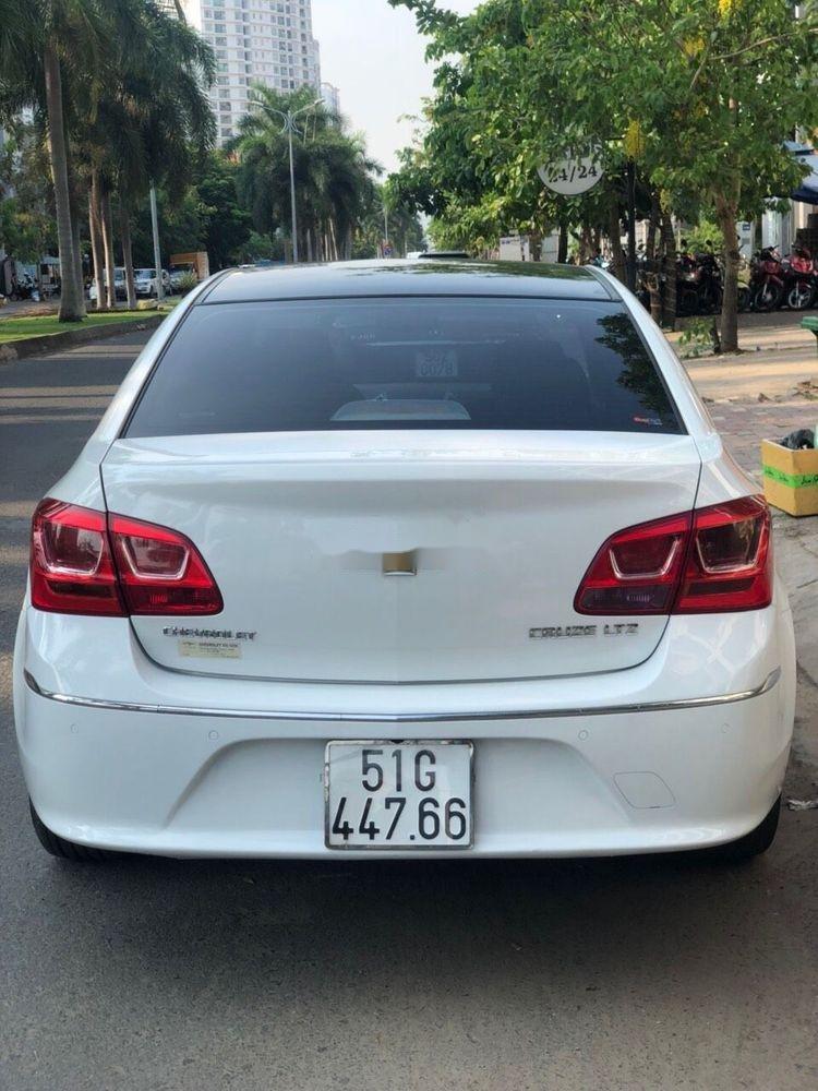 Cần bán gấp Chevrolet Cruze LTZ AT 2017, màu trắng (2)