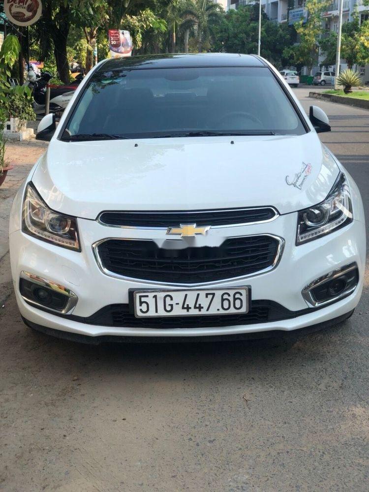 Cần bán gấp Chevrolet Cruze LTZ AT 2017, màu trắng (1)
