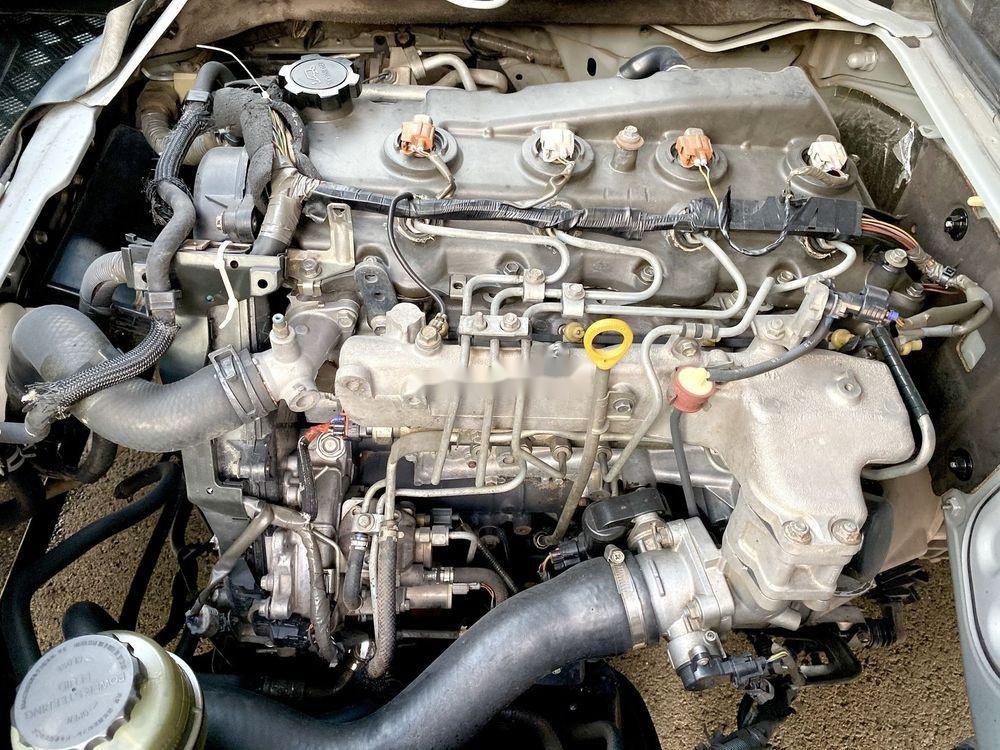Bán Toyota Hiace năm sản xuất 2009, màu bạc, nhập khẩu (8)