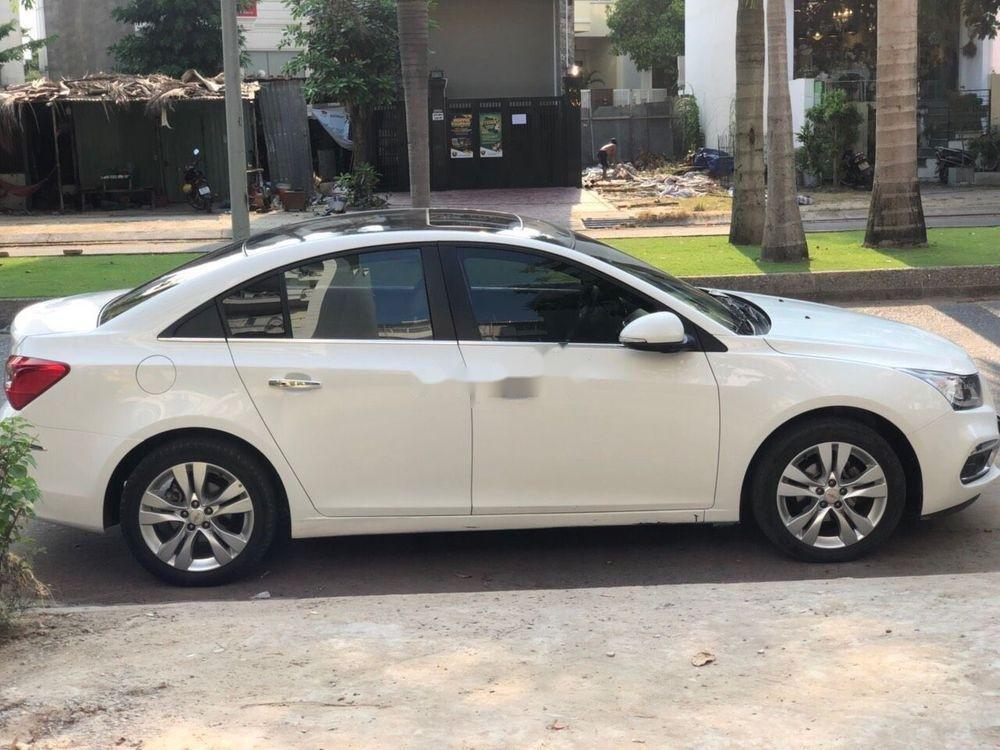 Cần bán gấp Chevrolet Cruze LTZ AT 2017, màu trắng (4)