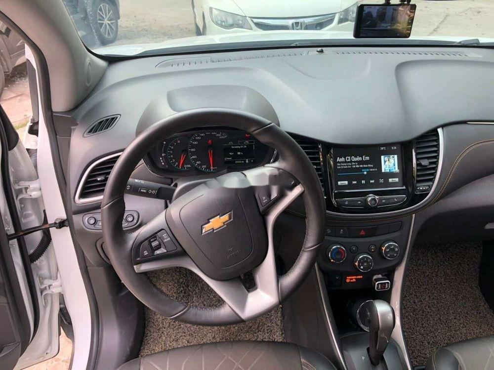 Bán Chevrolet Trax sản xuất năm 2017, màu trắng, nhập khẩu chính chủ, giá tốt (4)