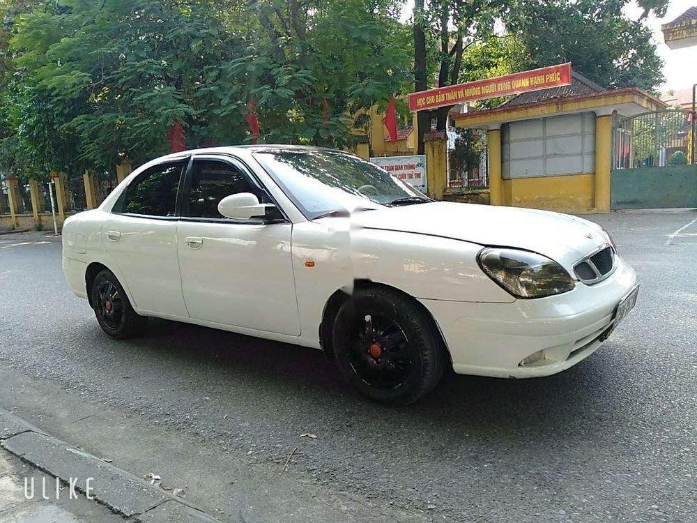Cần bán Daewoo Nubira đời 2003, màu trắng, giá cạnh tranh (5)