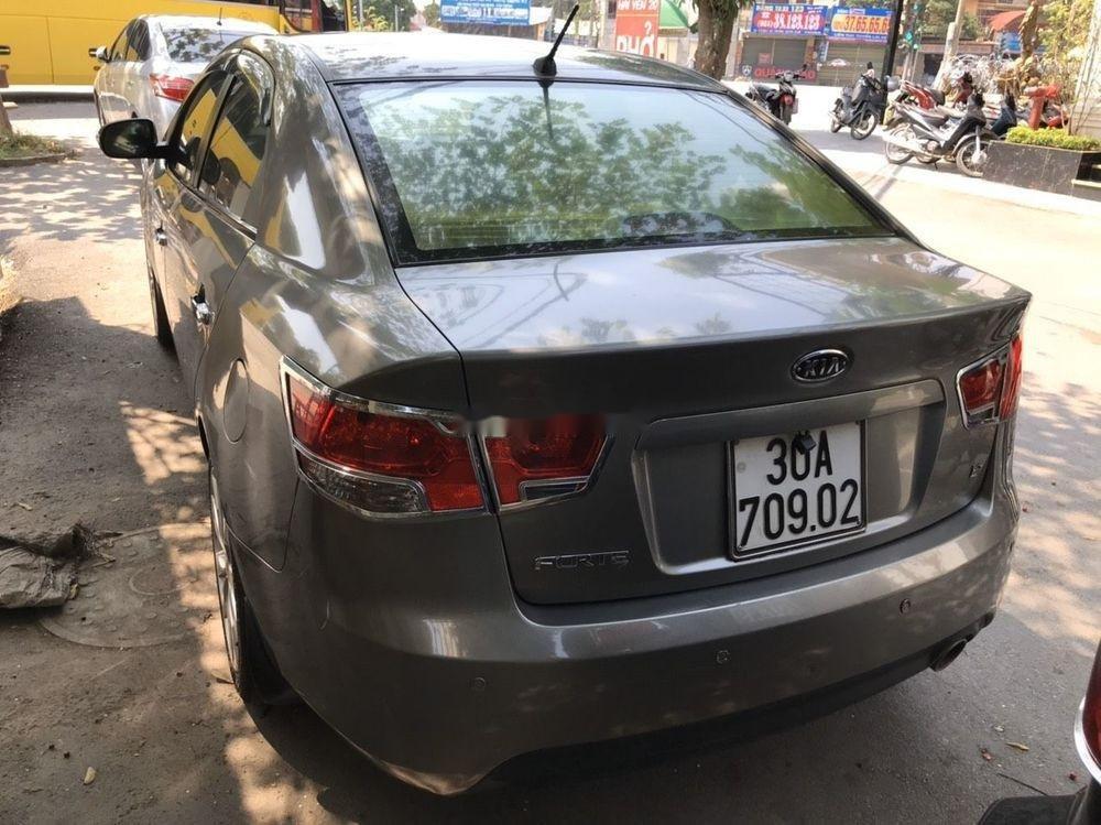 Xe Kia Forte 2011, màu xám xe nguyên bản (1)