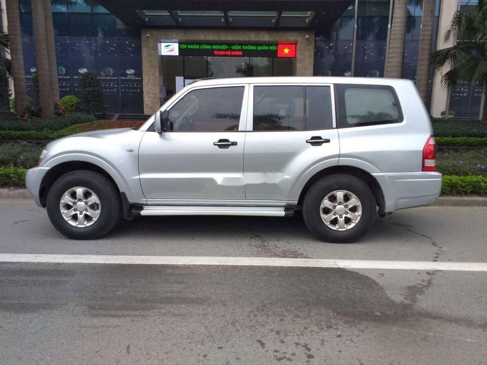 Cần bán Mitsubishi Pajero 2006, màu bạc, xe nhập, số sàn  (4)