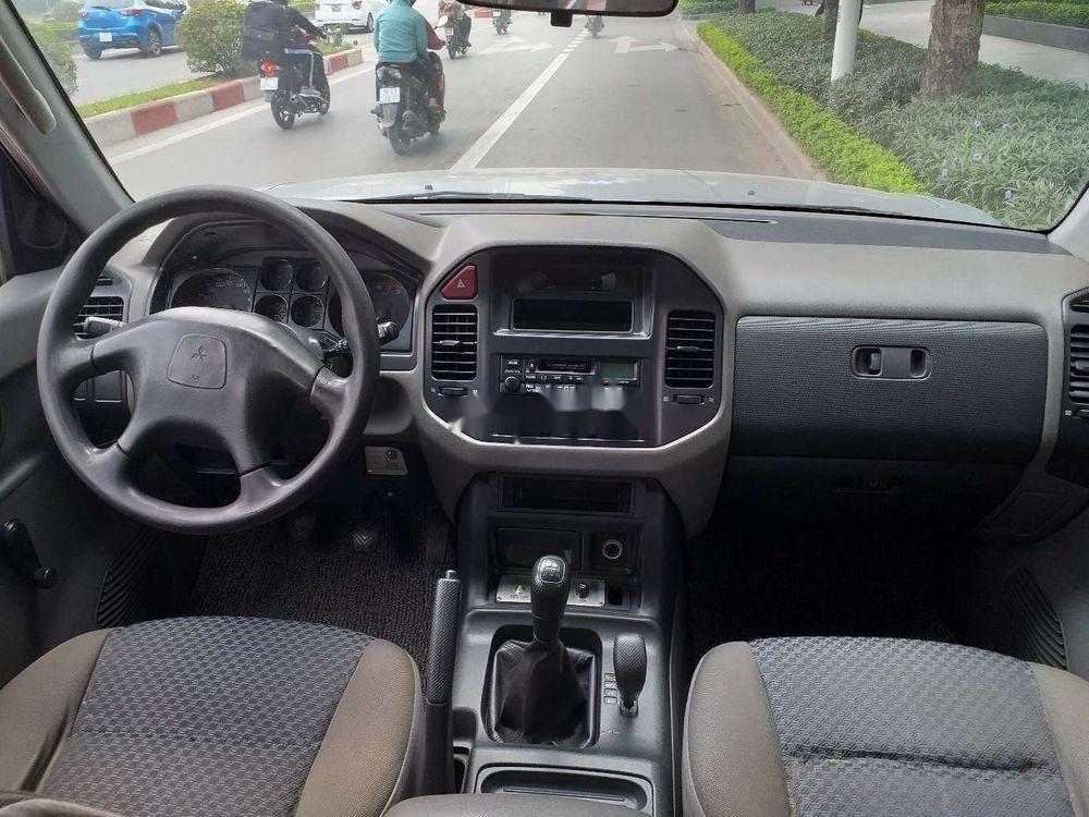 Cần bán Mitsubishi Pajero 2006, màu bạc, xe nhập, số sàn  (10)