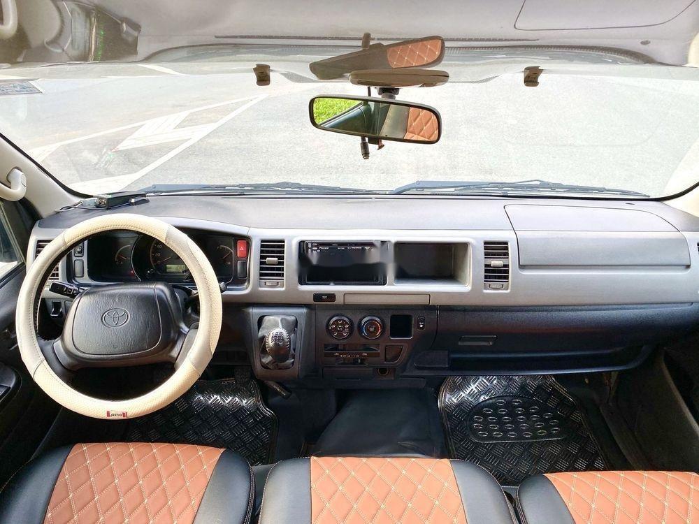 Bán Toyota Hiace năm sản xuất 2009, màu bạc, nhập khẩu (7)
