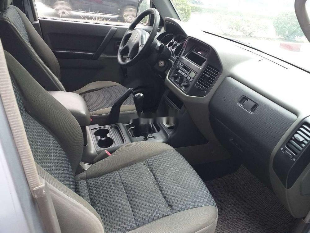 Cần bán Mitsubishi Pajero 2006, màu bạc, xe nhập, số sàn  (8)