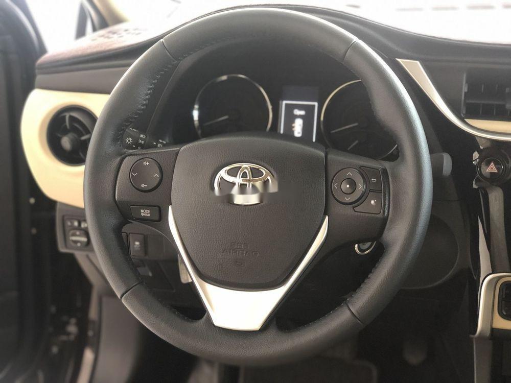 Cần bán Toyota Corolla Altis 2018, màu đen, số tự động, 735 triệu (4)
