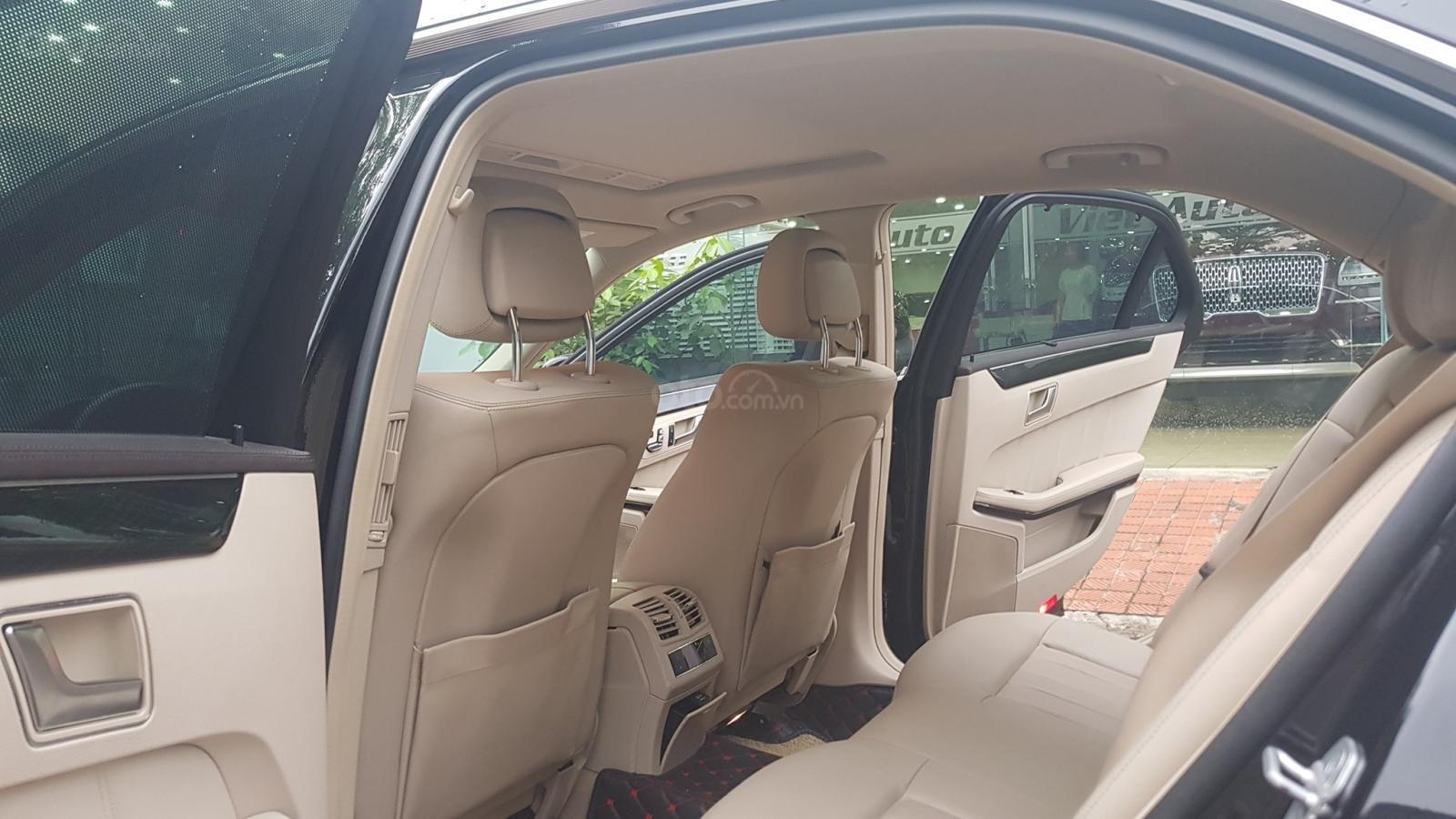 Cần bán xe Mercedes E250 CGI sản xuất 2013 đăng ký cá nhân (14)
