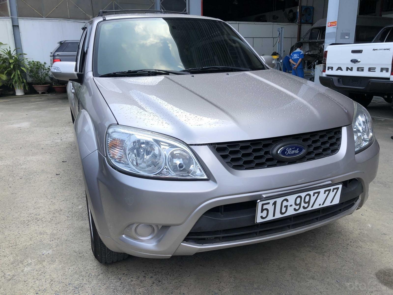 Xe Ford Escape sản xuất 2011, màu bạc còn mới giá 455 triệu đồng (2)