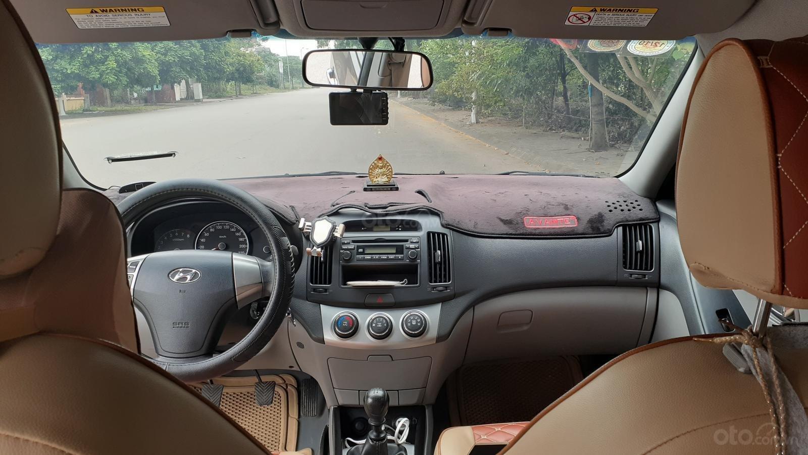 Bán Hyundai Avante MT 2011, màu xám (ghi) xe gia đình (4)