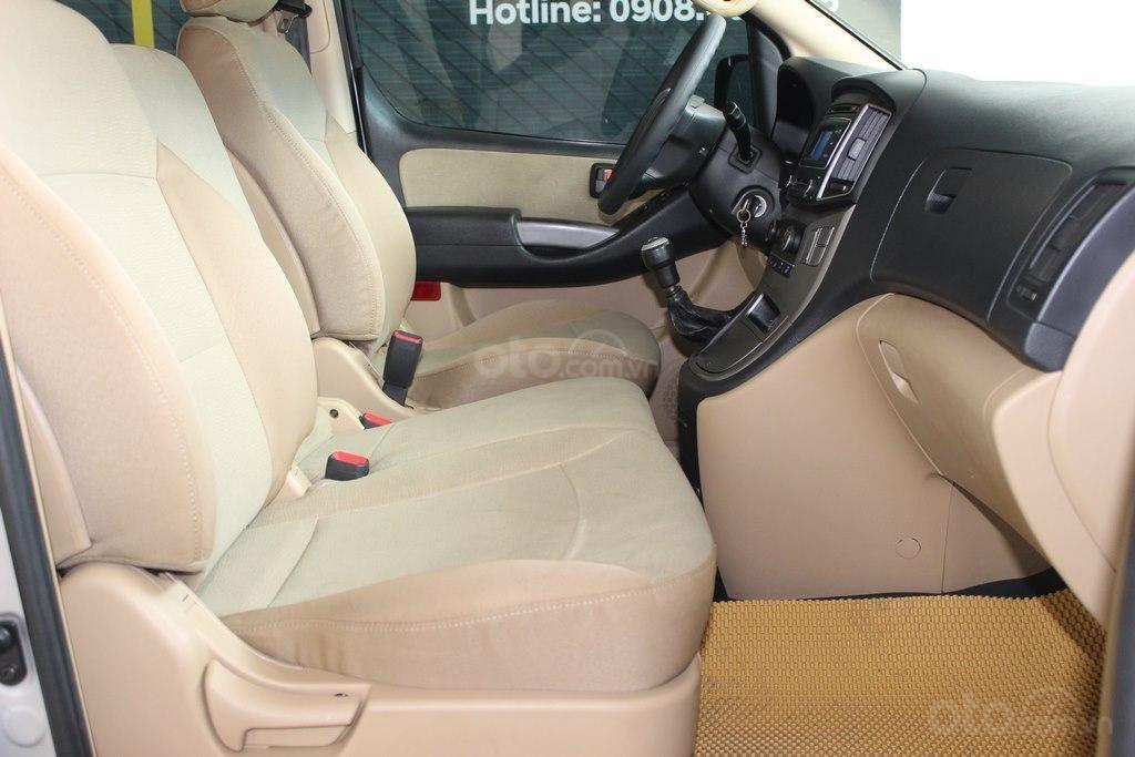 Hyundai Starex 2.5MT 2016, trả góp 70%, bao test (5)