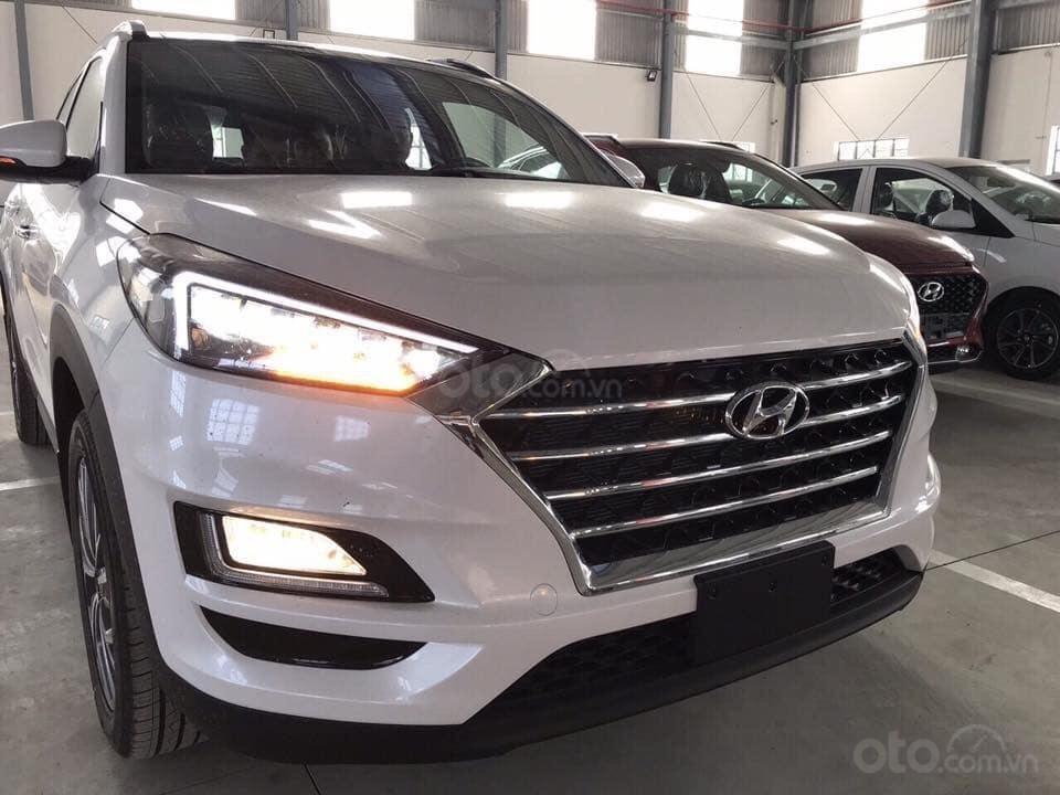 Tucson giá cực rẻ 799tr, tặng kèm khuyến mãi phụ kiện, xe có sẵn giao ngay, LH-Hoài Bảo 0911.64.00.88 (9)