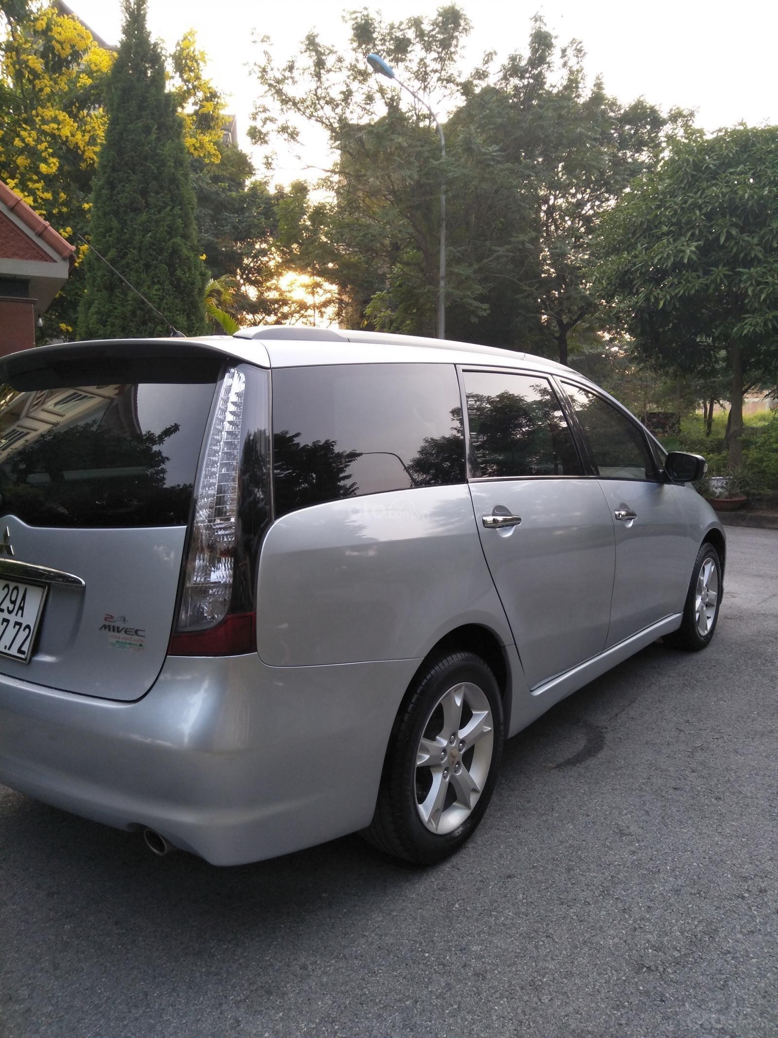 Chính chủ cần bán chiếc xe Mitsubishi Grandis đời 2011, giá thương lượng (8)
