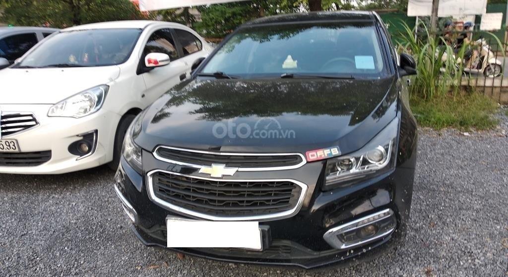 Bán lại xe cũ Chevrolet Cruze đời 2016, màu đen (2)
