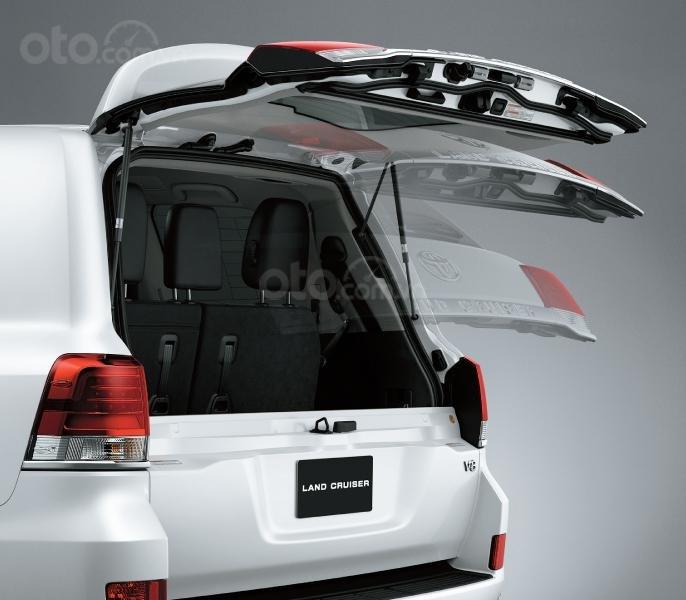 Toyota Land Cruiser 2020 tại Việt Nam, giá bán chạm mốc 4 tỷ đồng a4