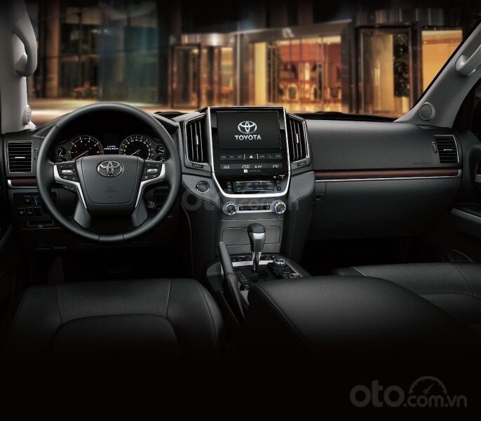 Toyota Land Cruiser 2020 tại Việt Nam, giá bán chạm mốc 4 tỷ đồng a2