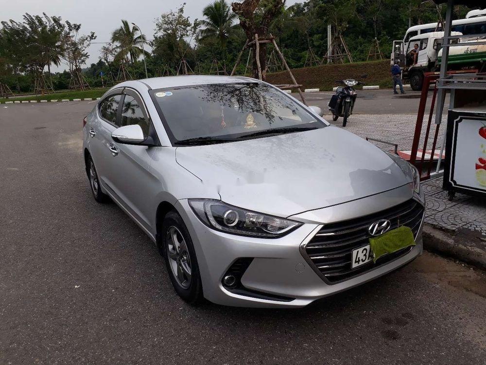 Bán Hyundai Elantra đời 2017, màu bạc, xe nhập, số sàn (1)