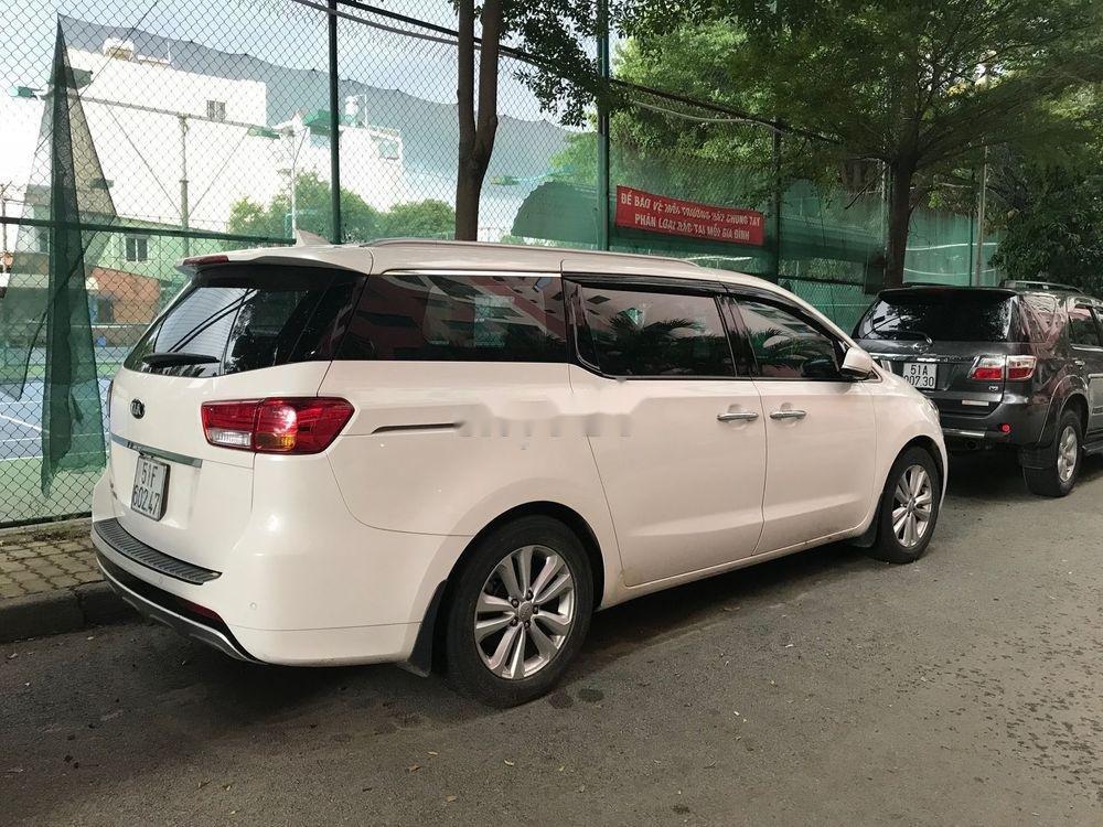 Cần bán xe Kia Sedona đời 2015, màu trắng, bản full xăng (2)