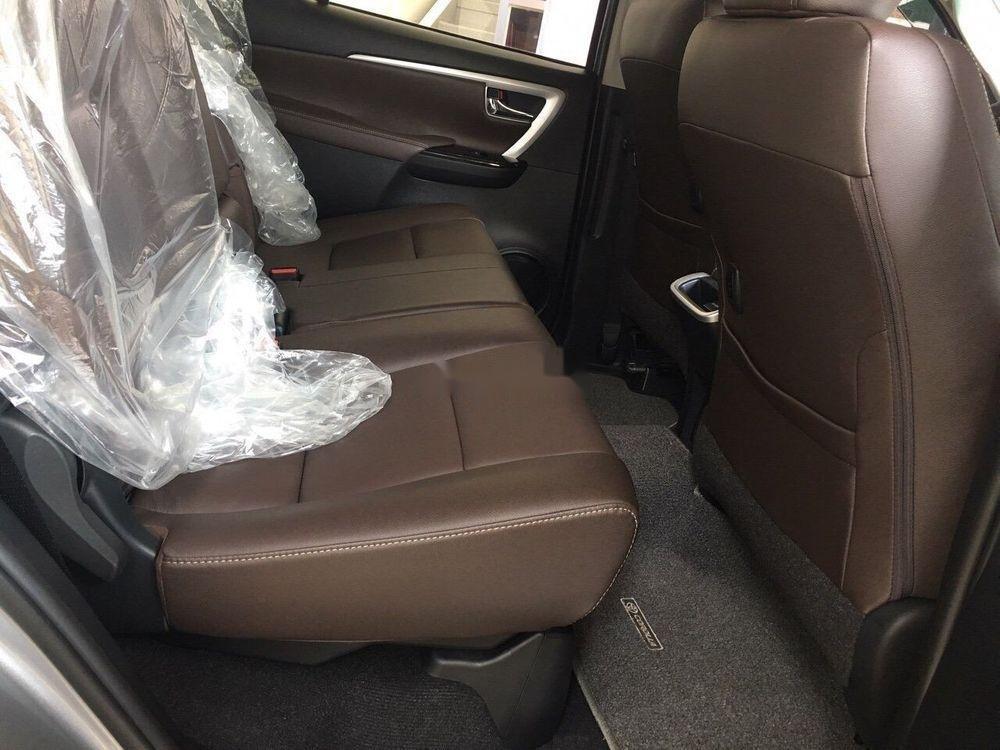 Cần bán xe Toyota Fortuner 2019, màu trắng, giá tốt (7)