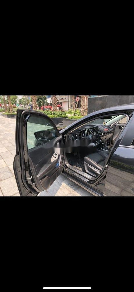 Bán Mazda 3 năm 2018, màu đen, giá tốt (6)