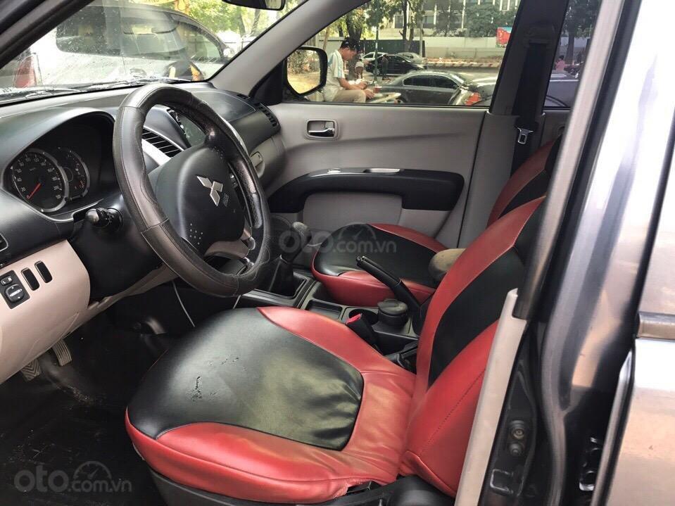 Cần bán Mitsubishi Triton đời 2010, màu xám (ghi), nhập khẩu (5)