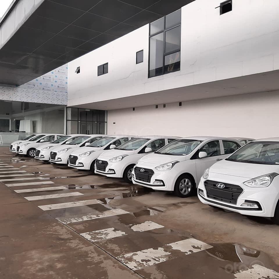 Cần bán xe Hyundai Grand i10 Sedan 2019, trả góp, giá tốt, giá cạnh tranh, giao ngay, khuyến mãi 25tr (1)