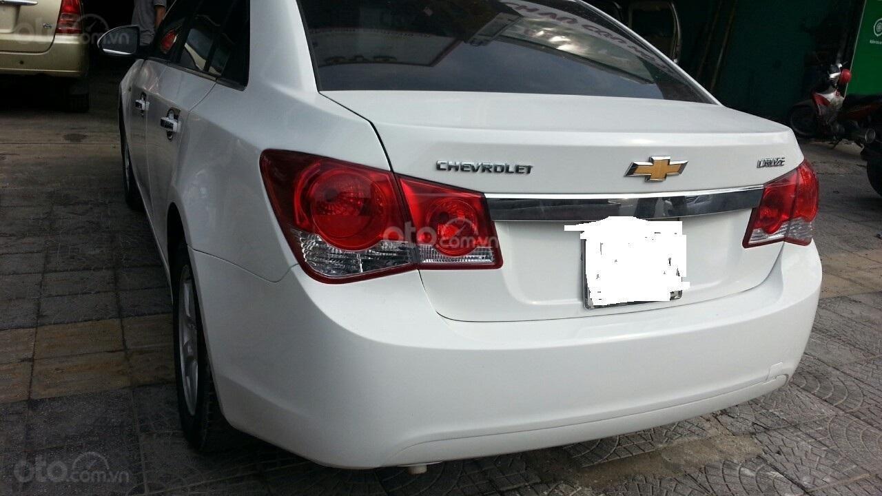 Cần bán Chevrolet Cruze đời 2012, màu trắng giá chỉ 290 triệu (2)