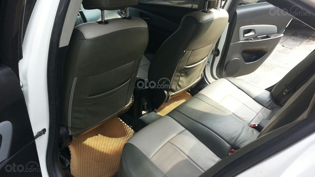 Cần bán Chevrolet Cruze đời 2012, màu trắng giá chỉ 290 triệu (6)