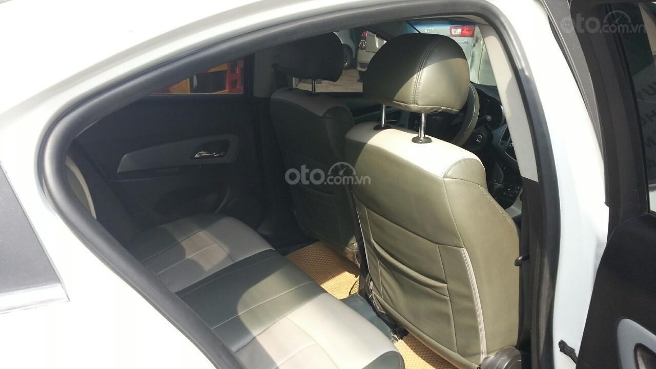 Cần bán Chevrolet Cruze đời 2012, màu trắng giá chỉ 290 triệu (7)