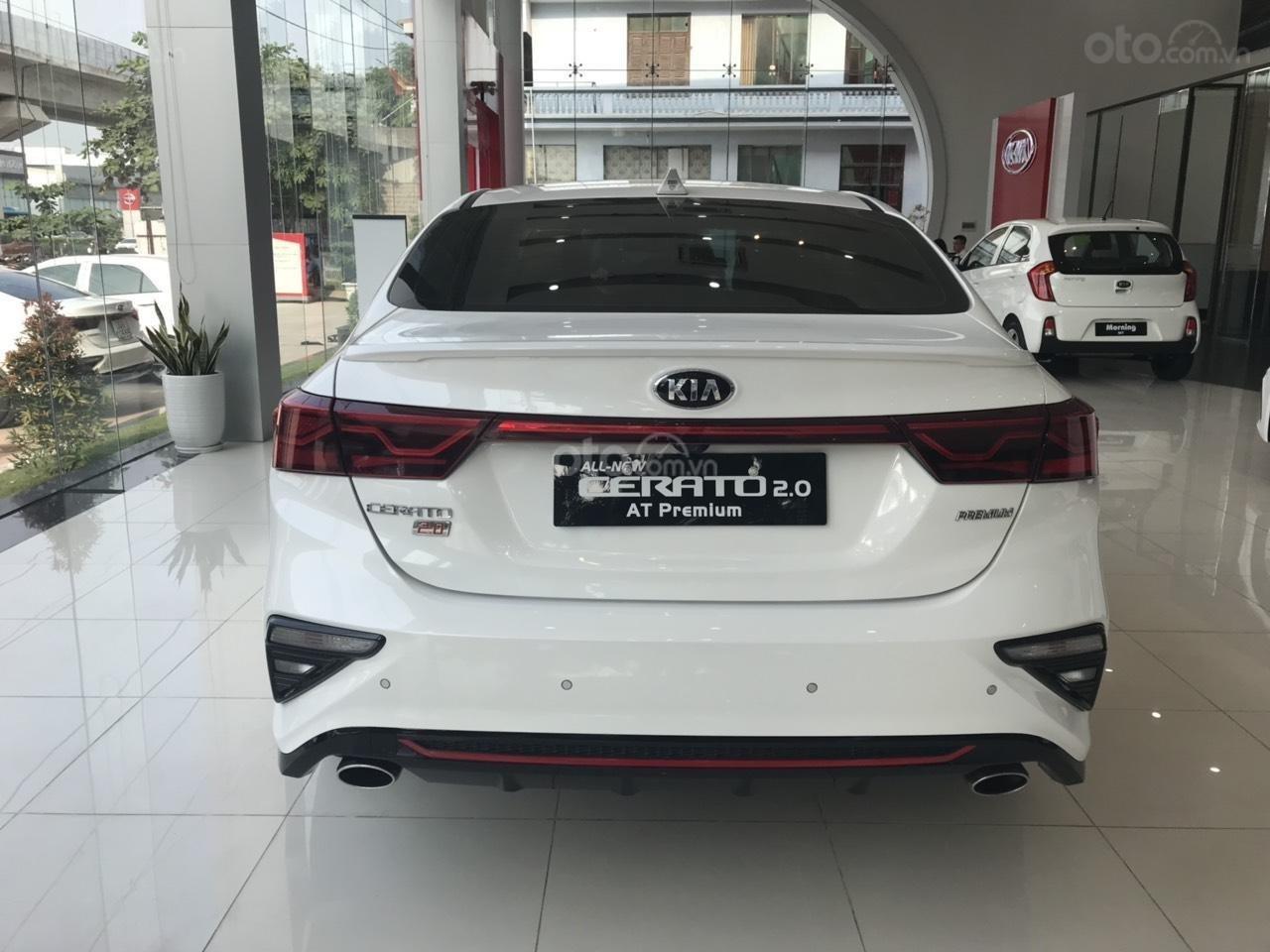 Cần bán chiếc xe Kia Cerato, 2019, màu trắng, giá cực kì hấp dẫn (6)